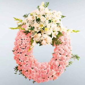 Envío de Corona de flores Pegaso a domicilio a cualquier tanatorio de Madrid y Toledo
