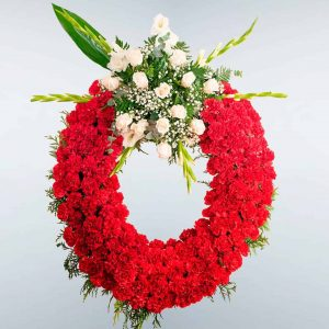 Corona de flores para funeral con entrega en Tanatorios de Toledo y Madrid.