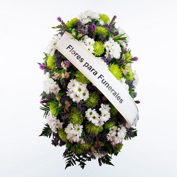 Palma de flores blanca, morada y verdepara funerales morada, verde y rosa para enviar a tanatorios de madrid y toledo con cinta de condolencias