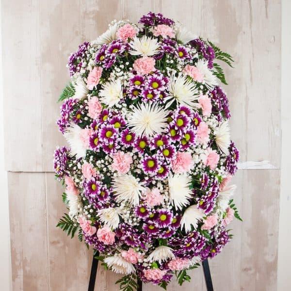 Palma de flores para funerales morada, verde y rosa para enviar a tanatorios de madrid y toledo