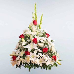 Envío de Centro de flores Celeste a cualquier tanatorio de Madrid y Toledo
