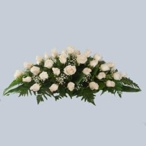 Centro de rosas blancas para funeral para enviar al tanatorio
